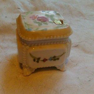 Bone china jewelry box